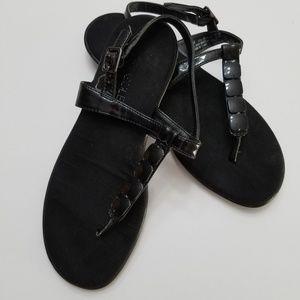 Aerosoles patent flat leather thong sandals
